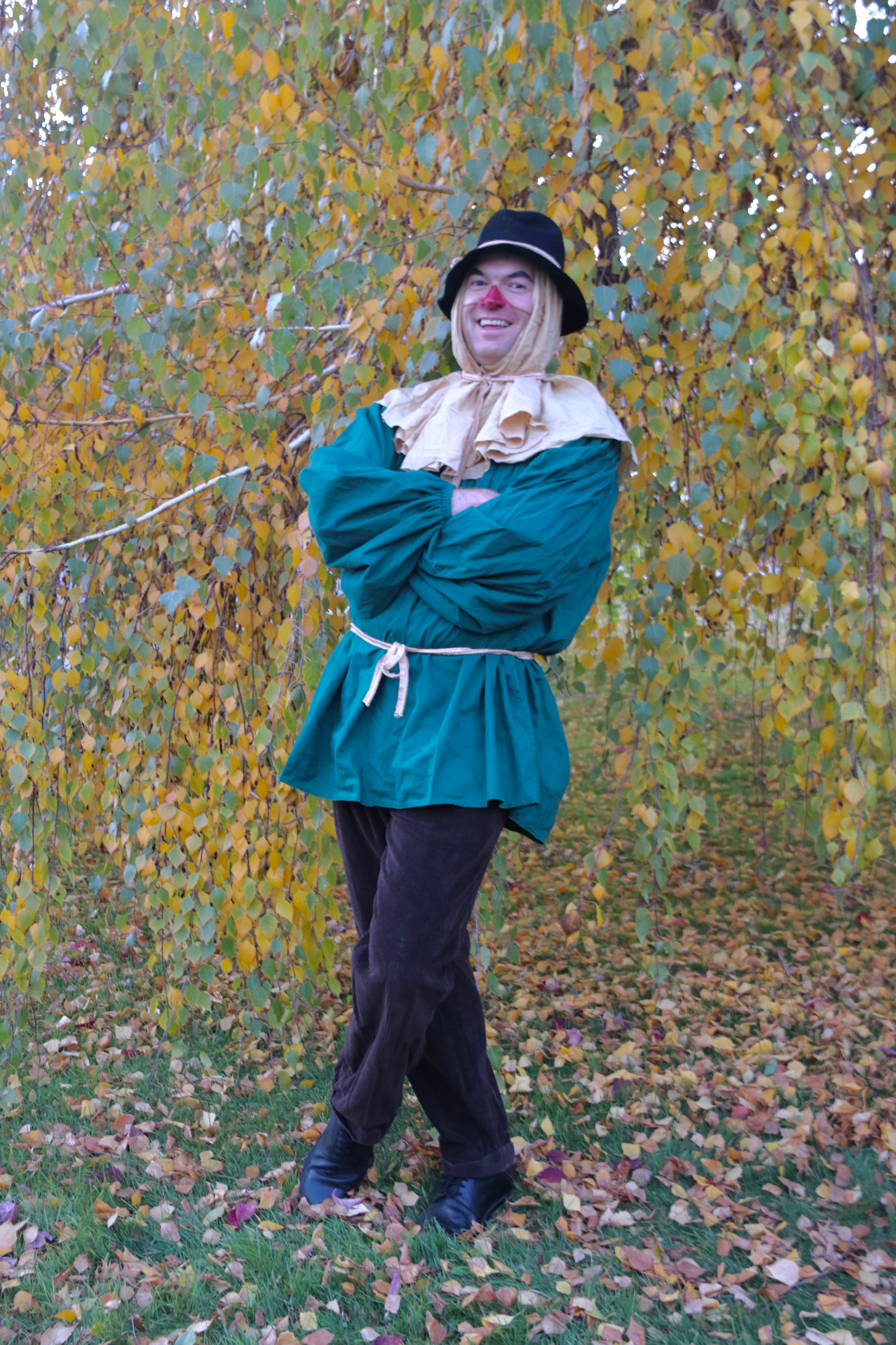 family wizard of oz costumes - diy scarecrow - yes you can costumes