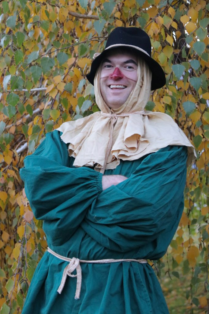 Family Wizard Of Oz Costumes Diy Scarecrow Yes You Can
