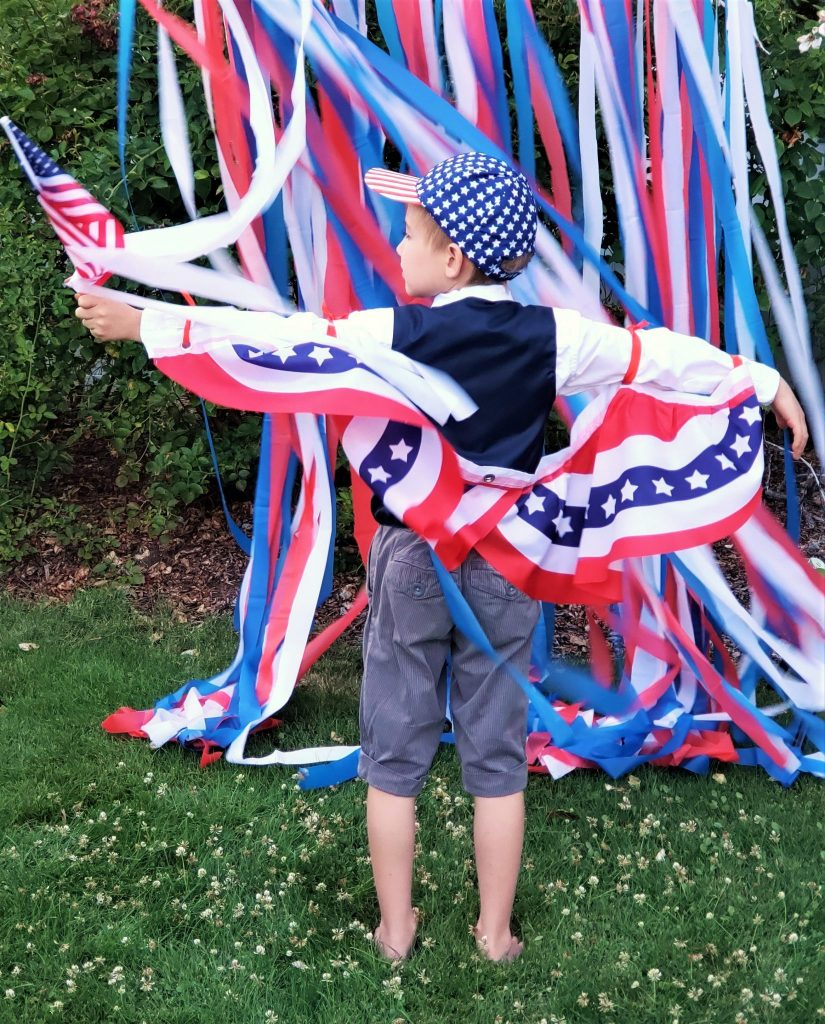 Fun with Bunting! DIY Dollar Tree Patriotic Capes - Yes You